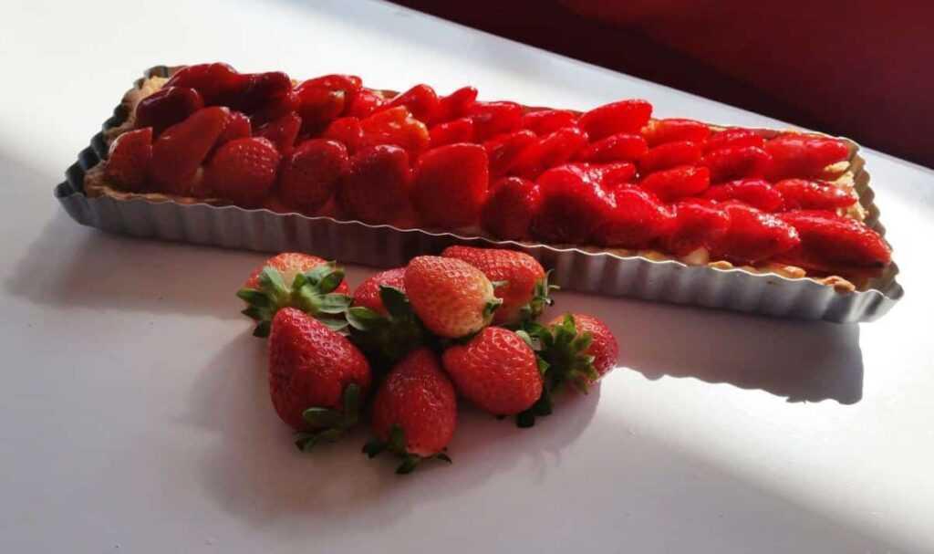 Tarte mit Erdbeeren und Vanillecreme