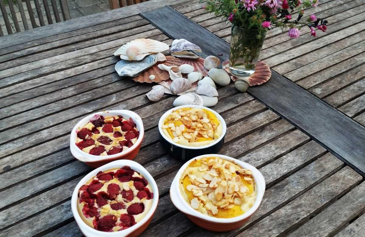 Clafoutis mit Pfirsich und Himbeeren
