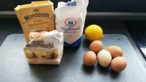 Mehl , Zucher , Eier