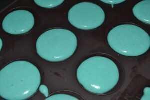 Macarons blue