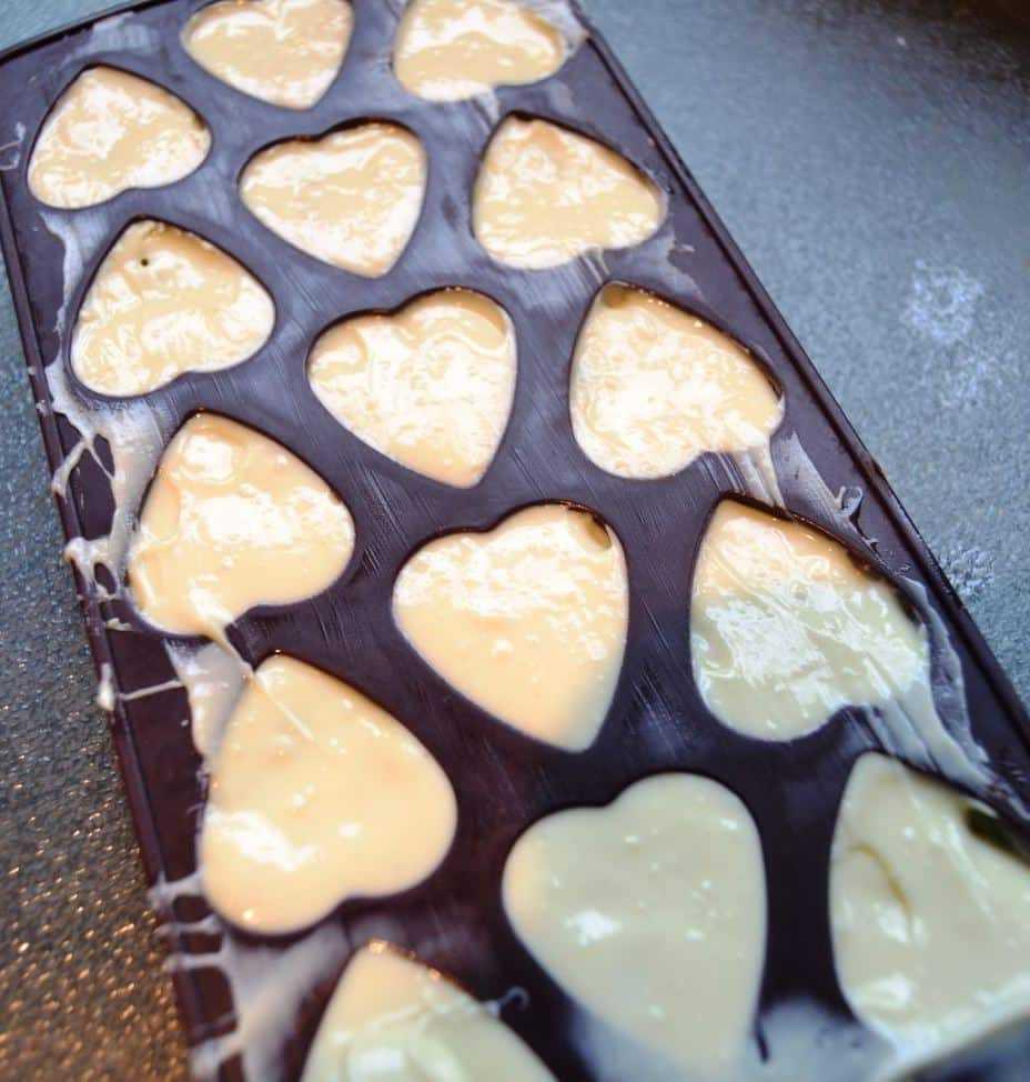 Pralinen Herzen Rezept mit Pistazie und weißer Schokolade
