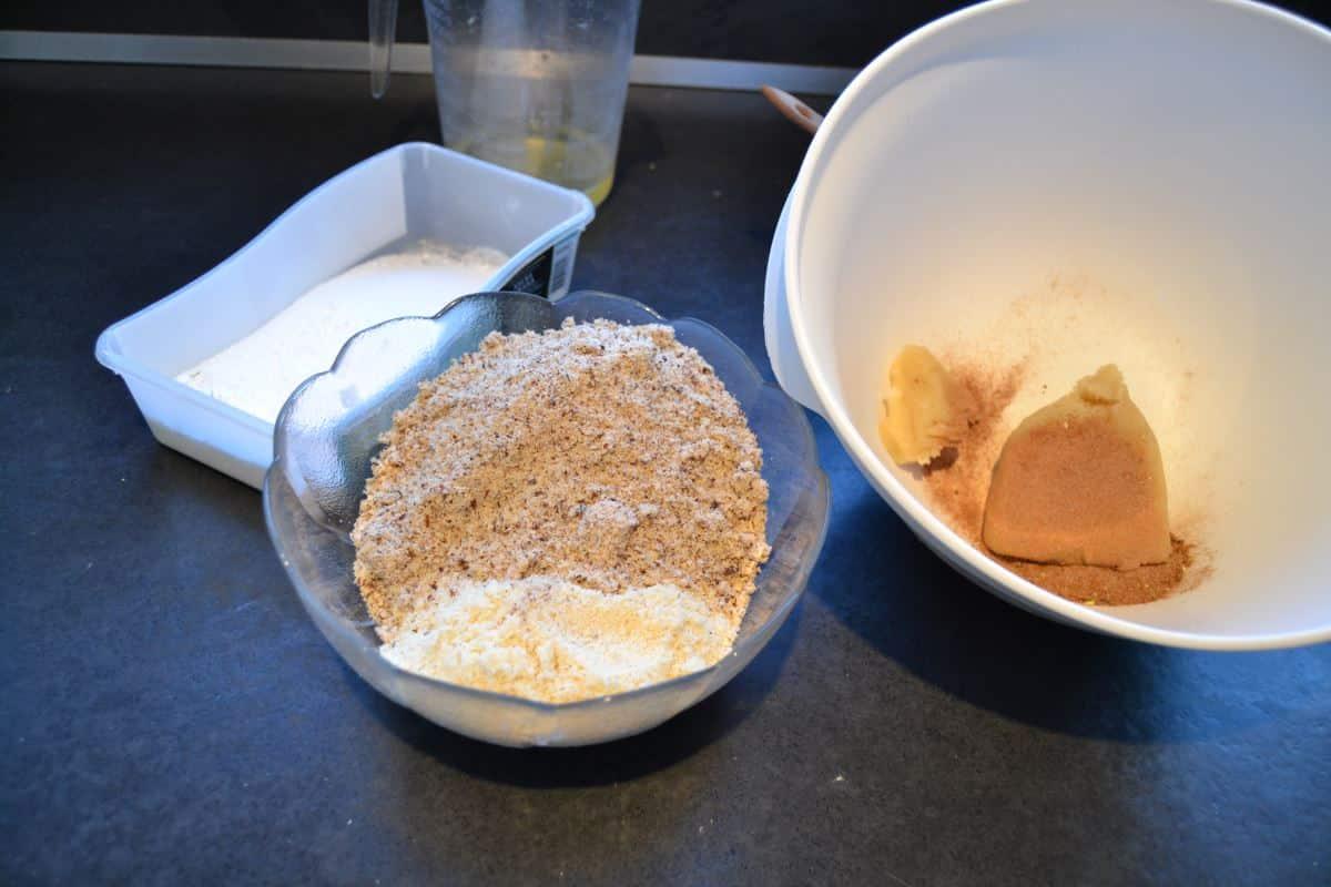 Mandeln und Haselnüsse , Marzipan und Gewürze