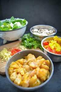 Zutaten für eine Asia Pfanne mit Huhn und Pak Choi
