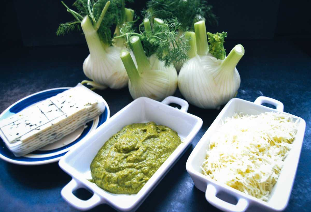 Fenchel, Pesto, geriebener Käse