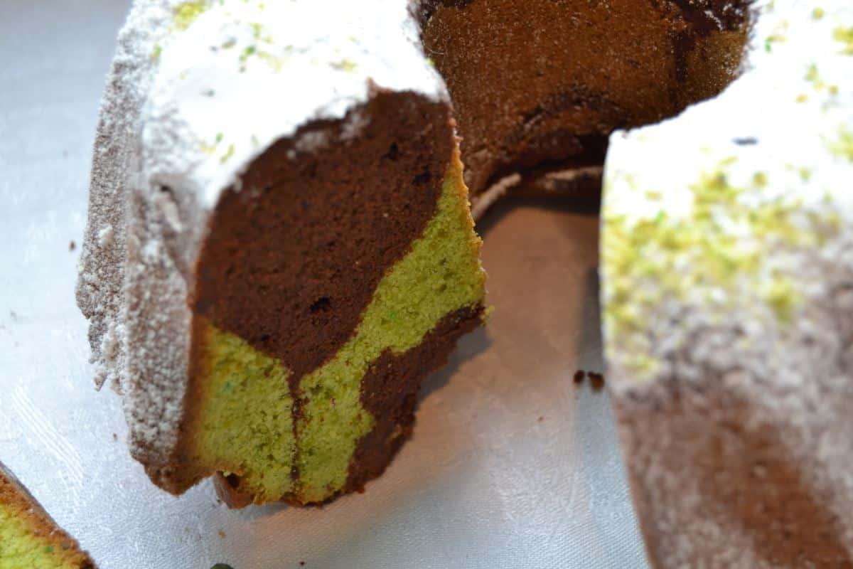 Schokoladen Pistazien Gugelhupf