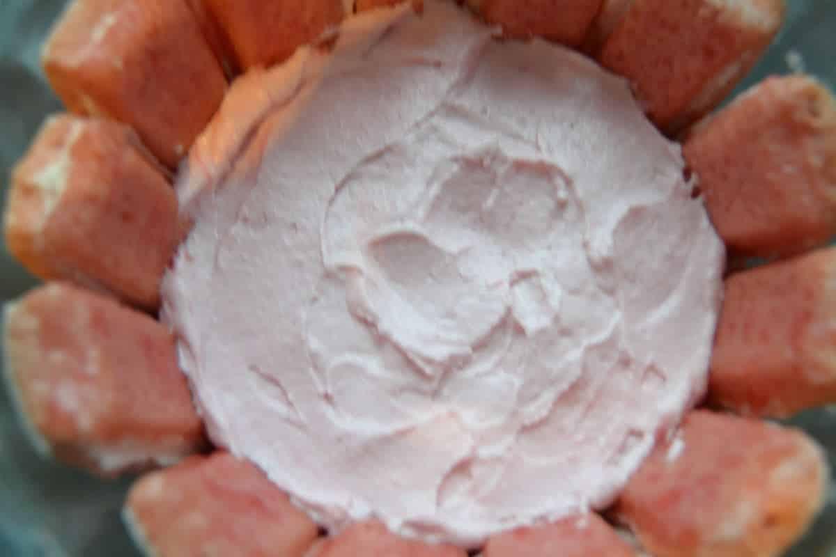 himbeer-charlotte-mit-joghurt- füllen