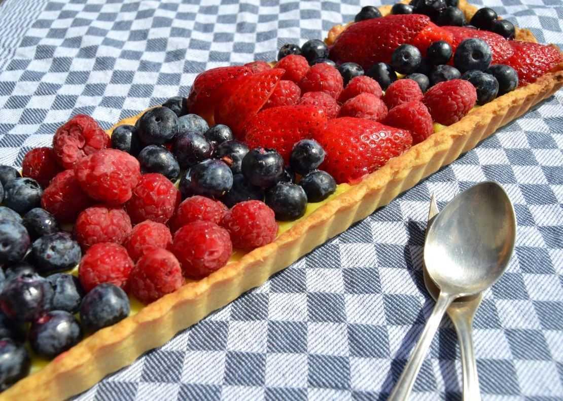 tarte- mit- beeren- und- pudding-kochen-aus-liebe