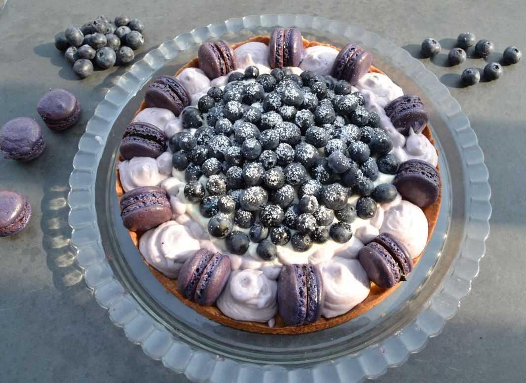 Macaron Torte mit Blaubeeren