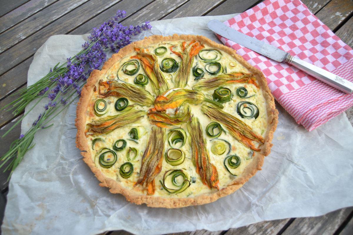 Tarte fleur de Courgette Zucchini Tarte mit Zucchiniblüten