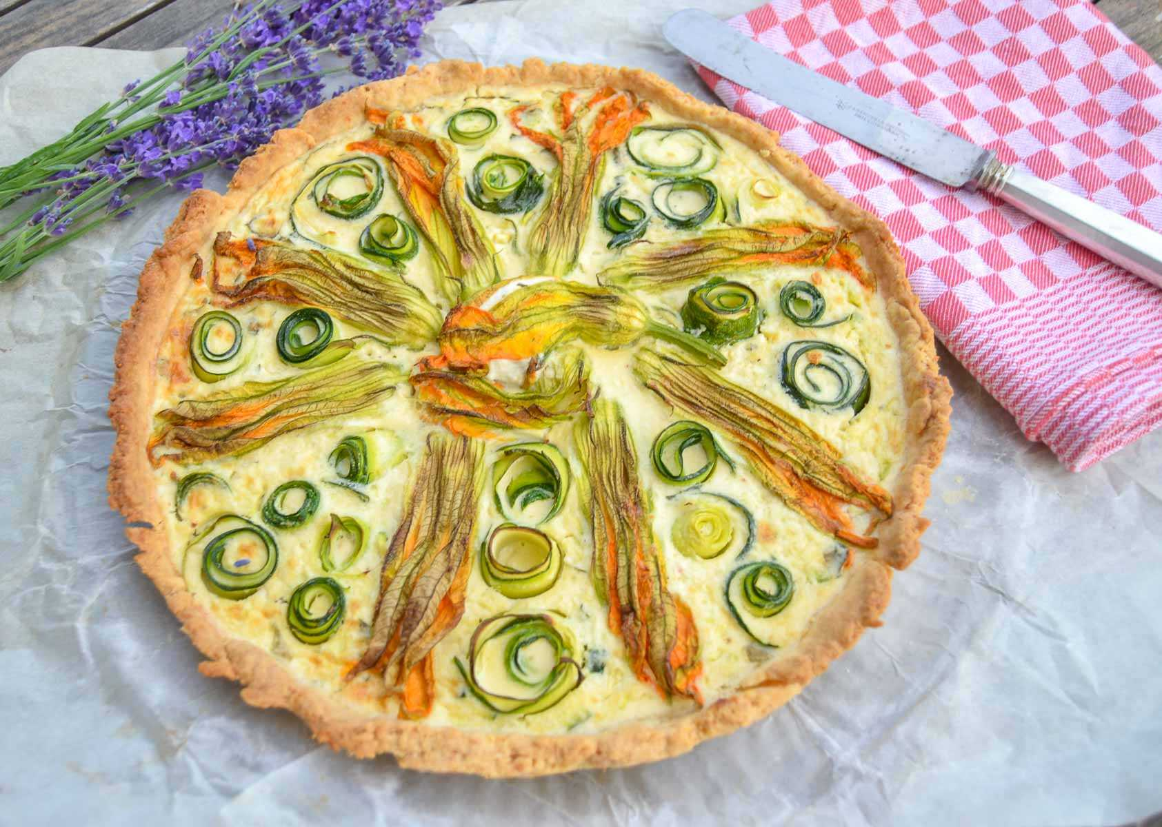 Zucchini Quiche mit Feta