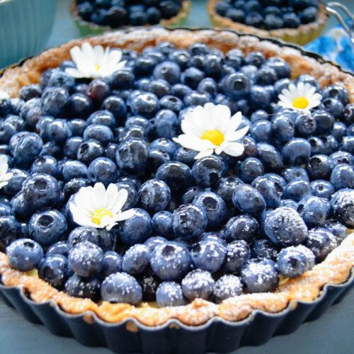 Blaubeerkuchen mit Vanillecreme und Mandel-Mürbeteig