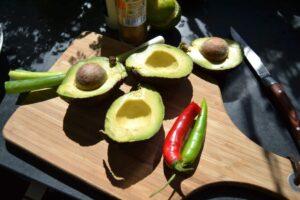 Avocado , Koriander , Chili , Lauchzwiebel ,
