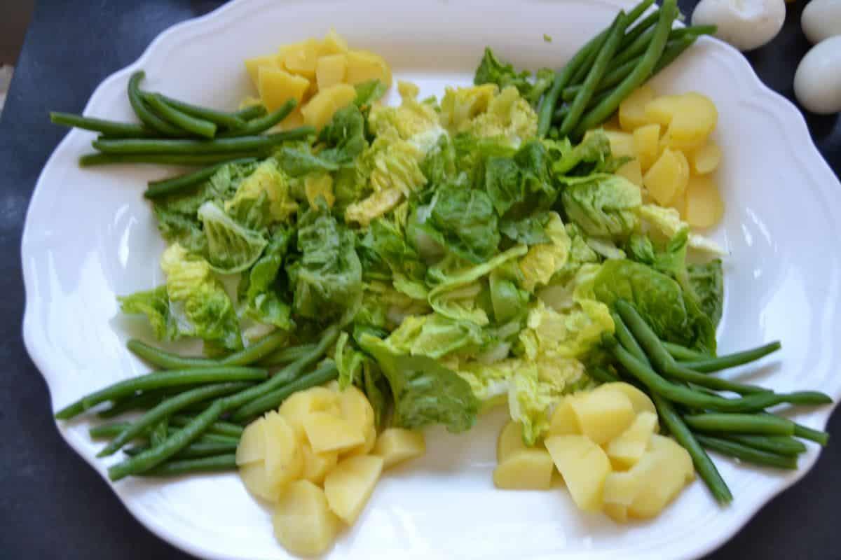 Salat , Bohnen ,Kartoffeln