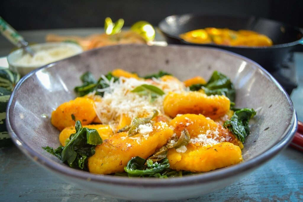 Butternut Kürbis Gnocchi Rezept mit Parmesan