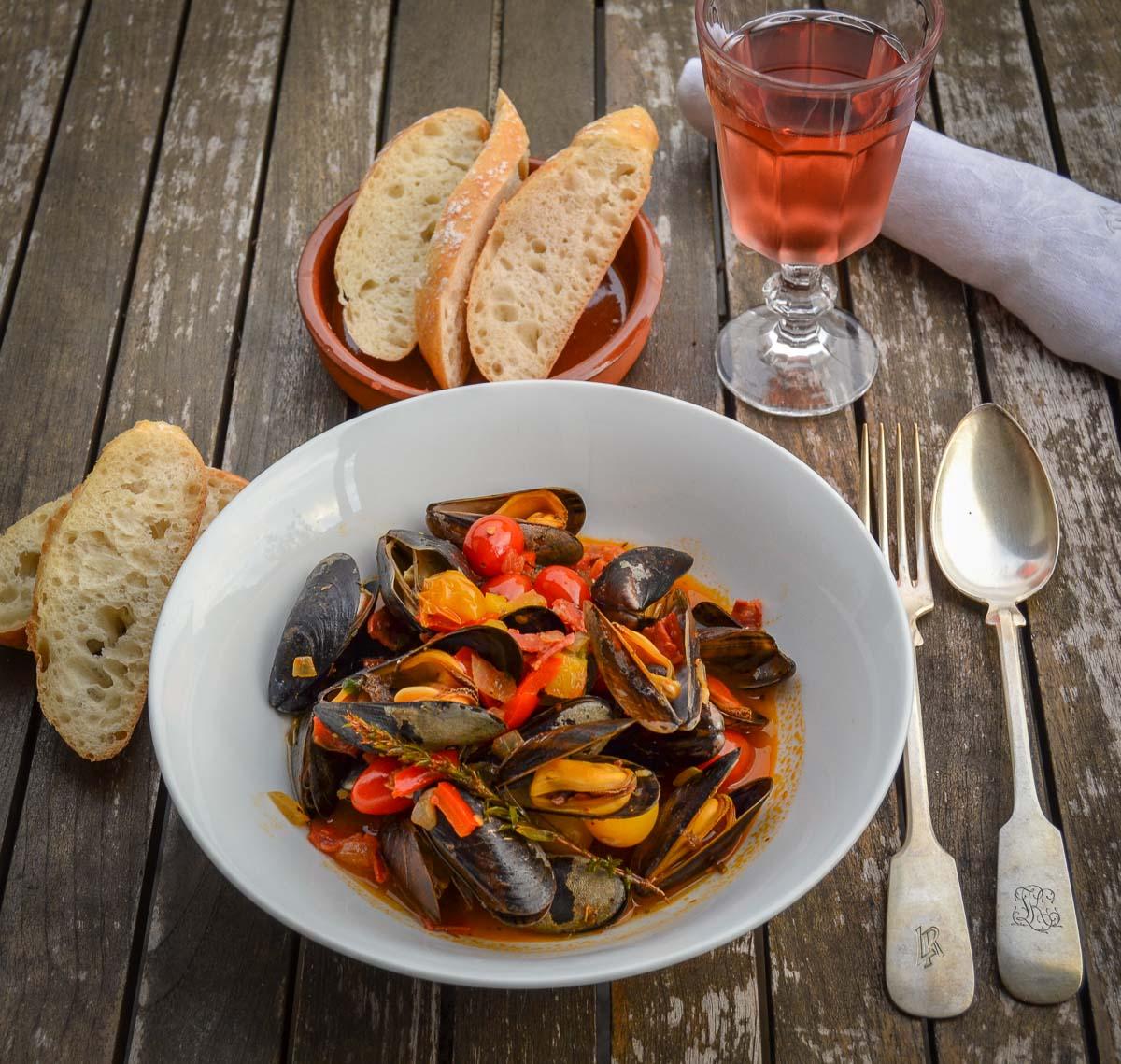 Mediterrane Miesmuscheln Rezept mit Chorizo