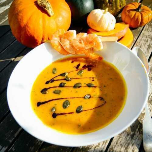 Kürbissuppe mit Ingwer und Mango