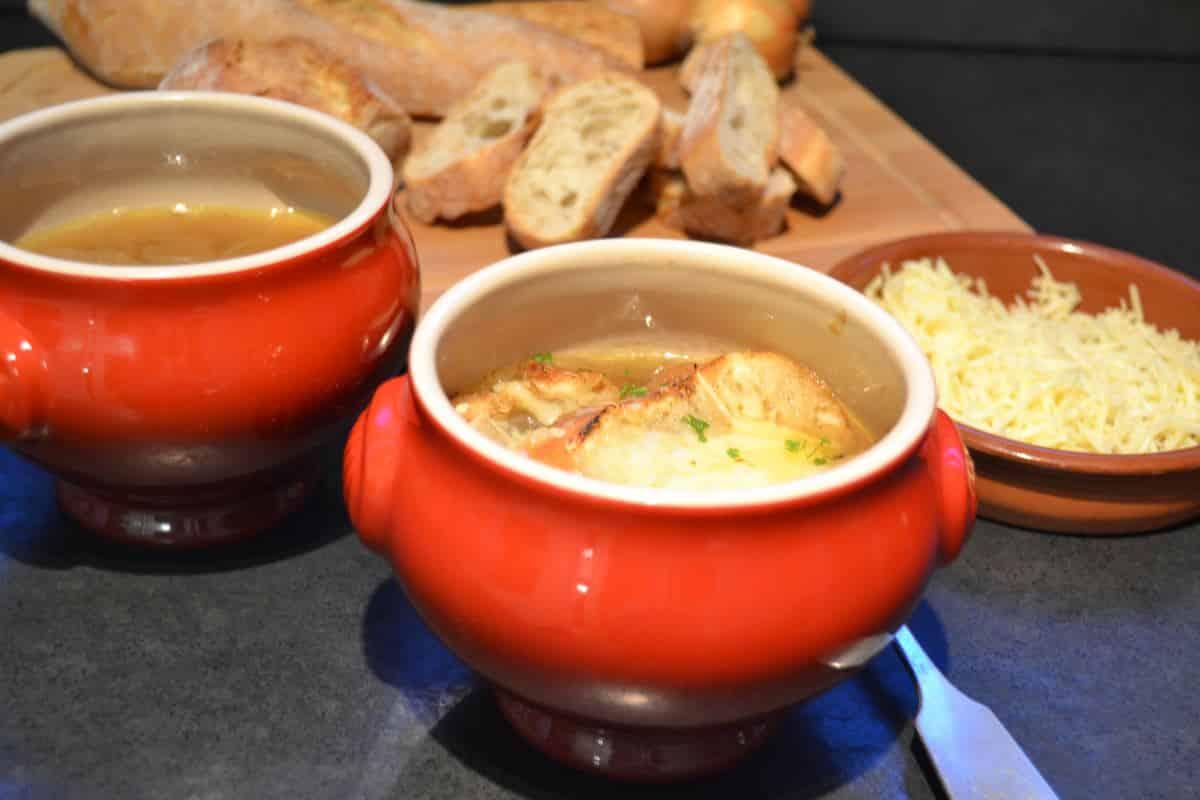 gratinierte Zwiebelsuppe