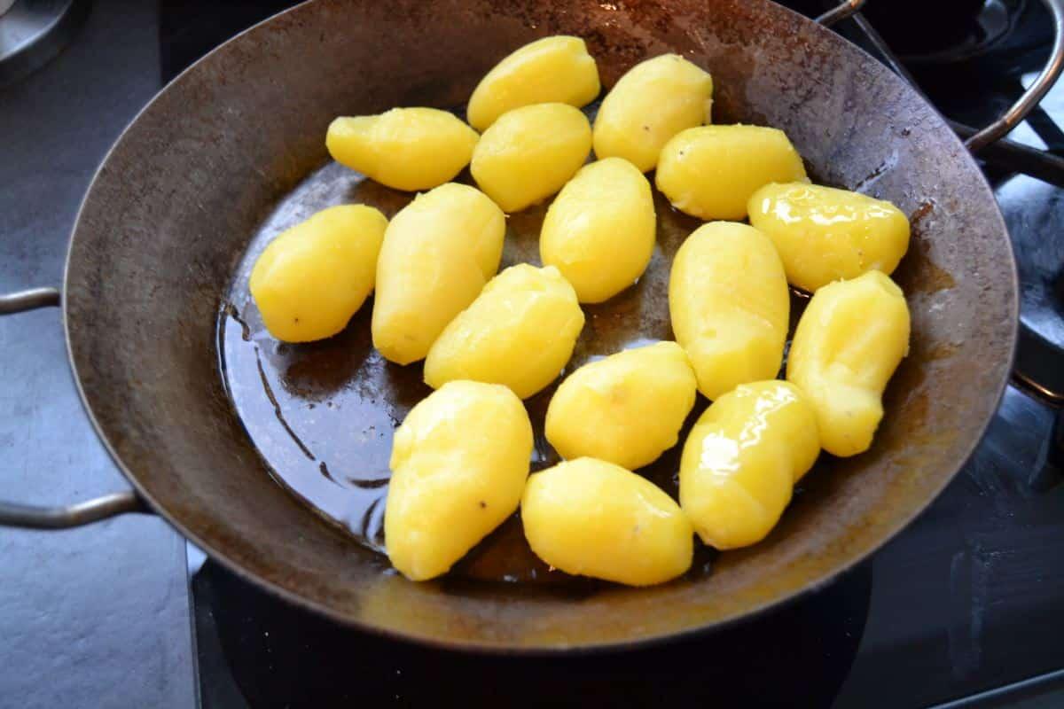 Pellkartoffeln in Butterschmalz braten