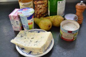 pasta-mit-gorgonzola-birnen-walnuss-sauce