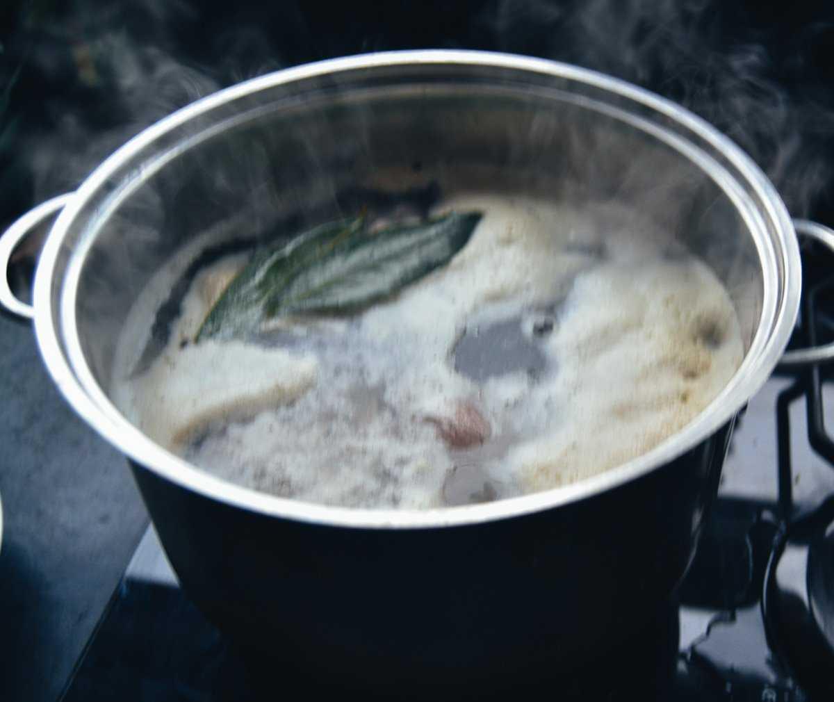 getrocknete Erbsen mit kochen