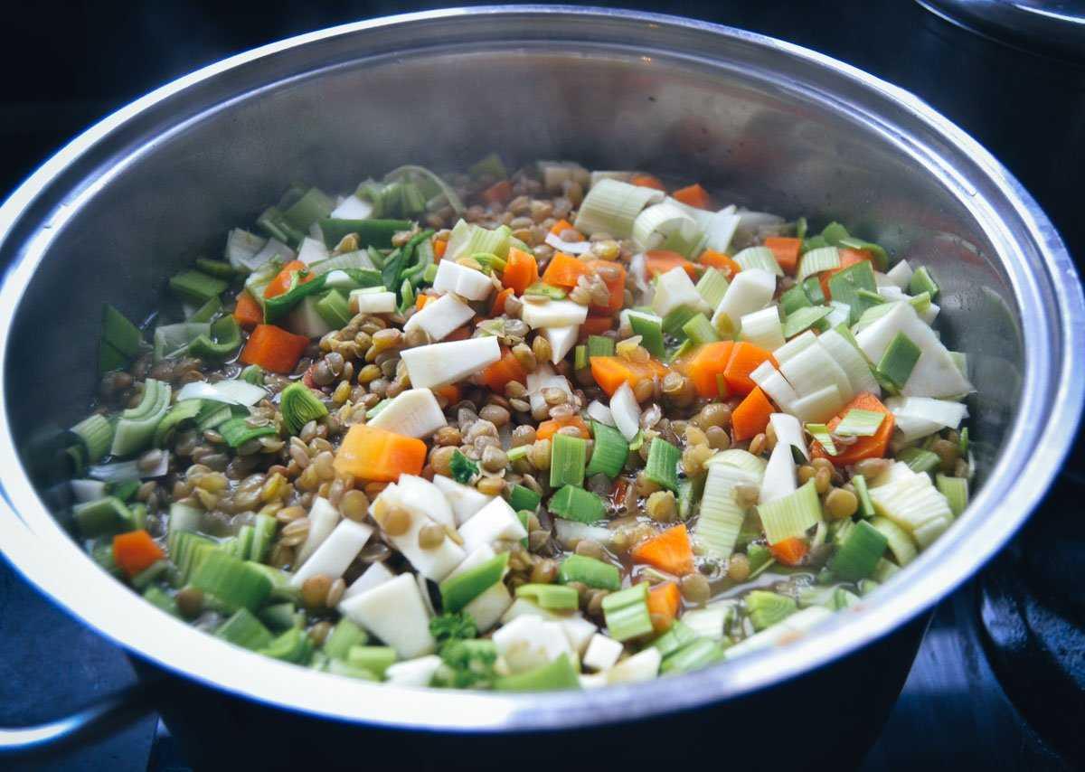 Linsensuppe kochen