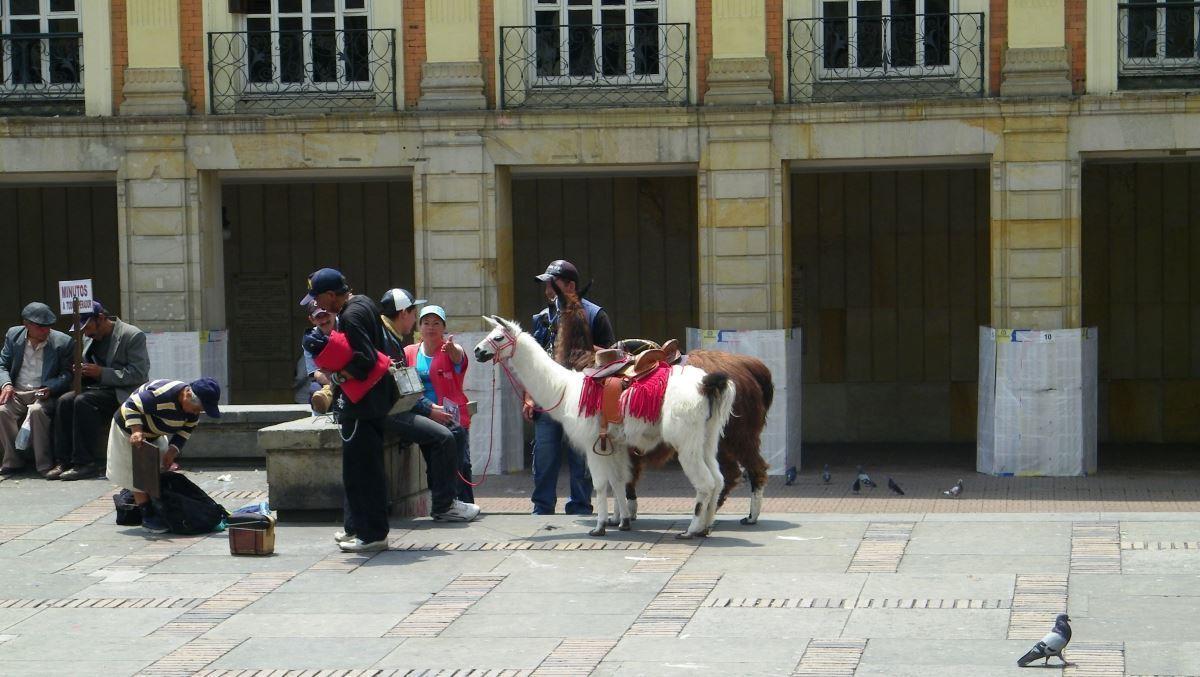 plaza de bolivar bogota Colombia