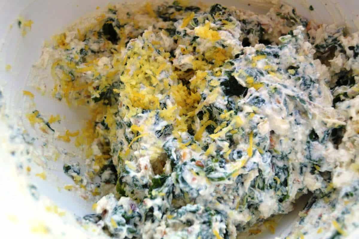 Ricotta mit Spinat und Zitronenschale
