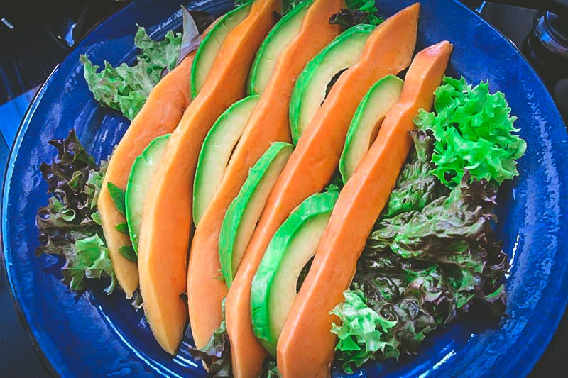 Low Carb Salat mit Papaya, Avocado