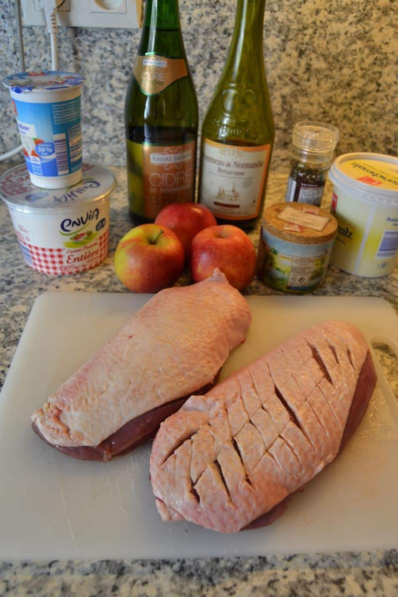 Entenbrust , Pommeau, Äpfel , Creme Fraiche Camembert ,