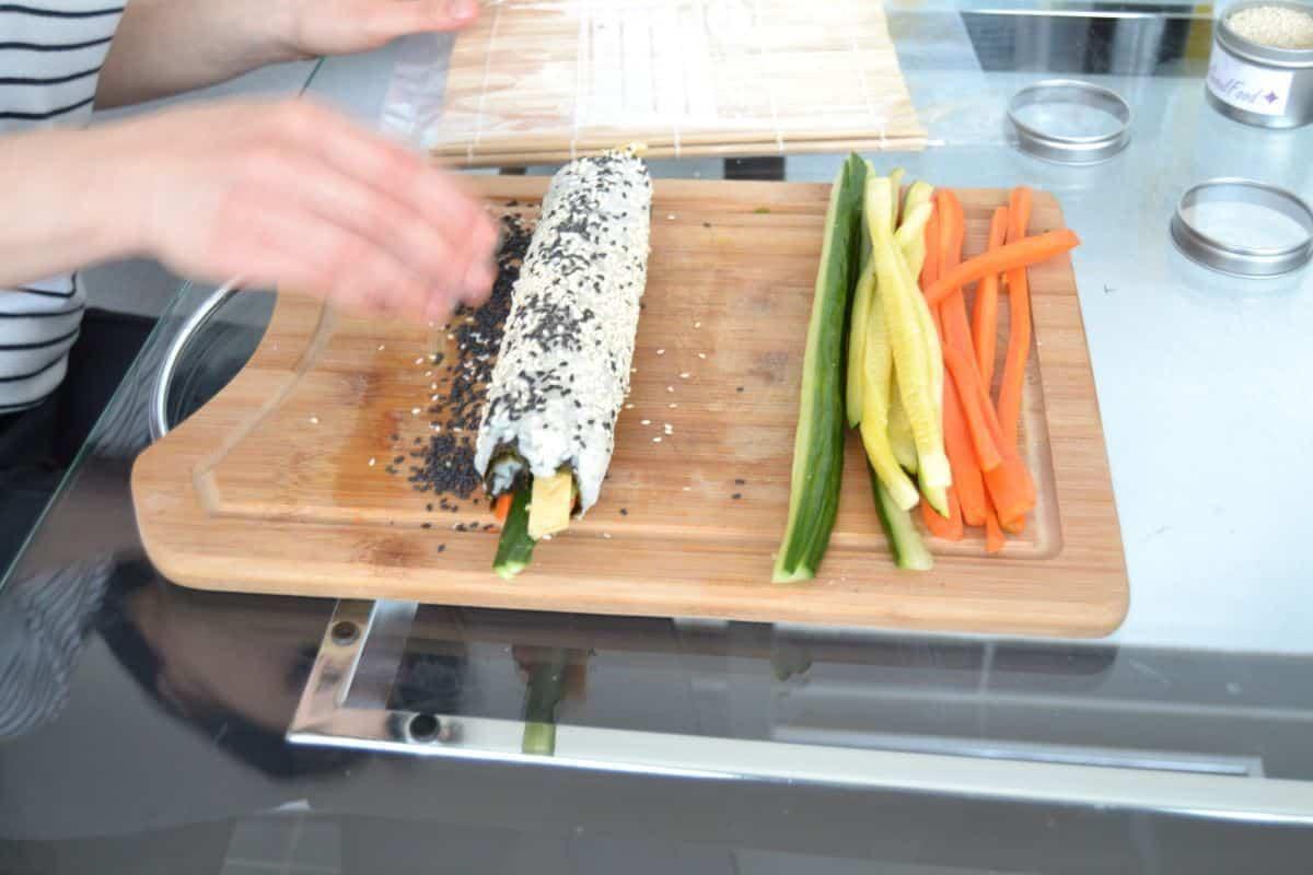 mein erstes Kimbap mit Möhre, Gurke, Ei und Zucchini