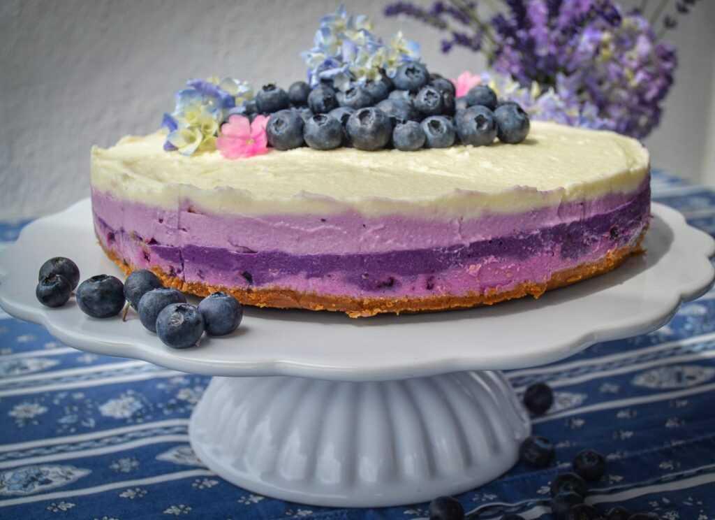 Frischkäsetorte no bake Rezept mit Blaubeeren Cheesecake