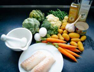 Kabeljau,Artischocke , Ei ,Broccoli,Möhren,Kartoffeln , Garnelen ,Blumenkohl