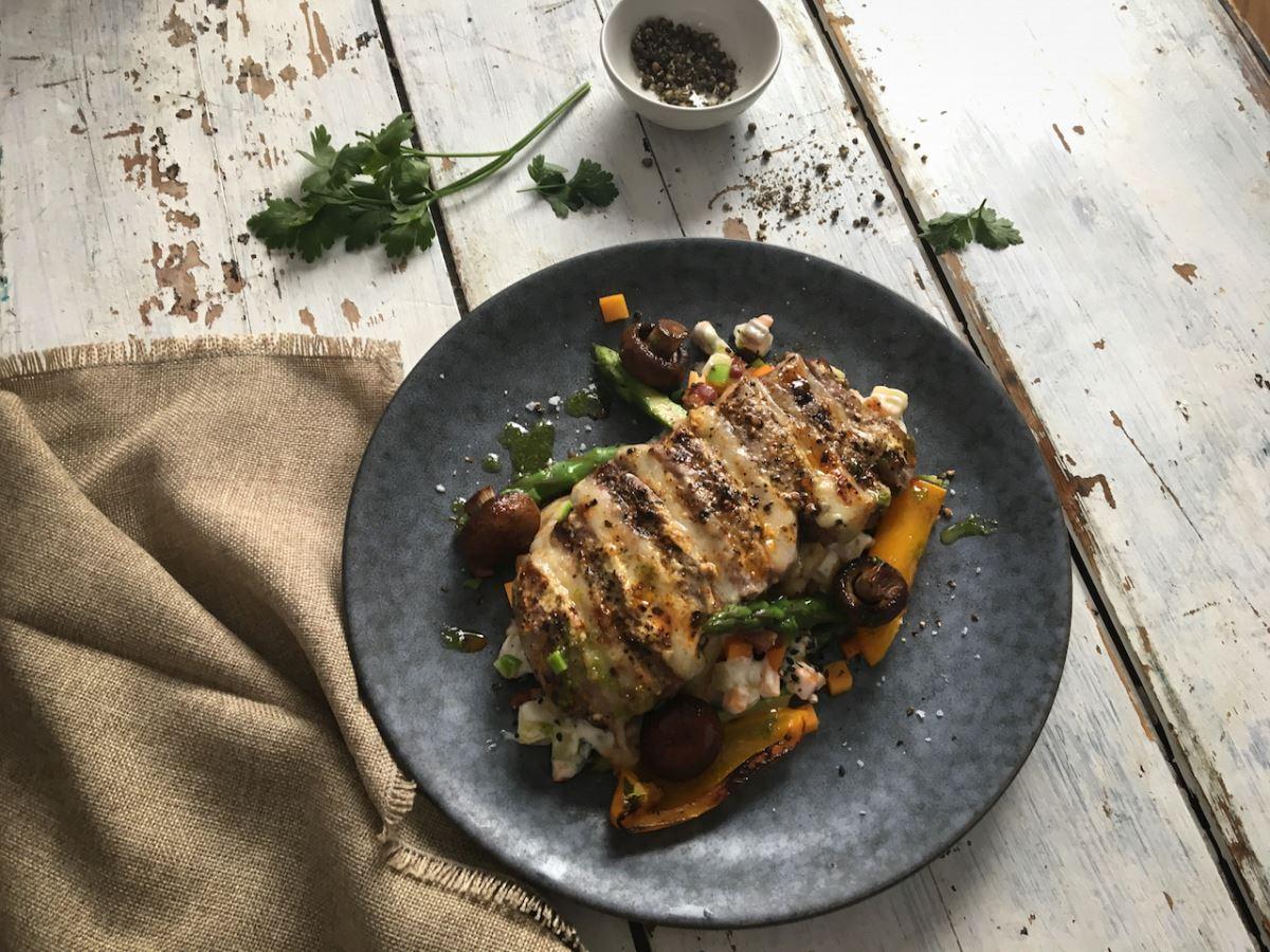 Steak mit Comté und Gemüse