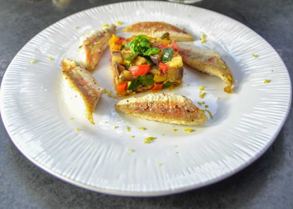 gebratene Rotbarbe Rezept mit Ratatouille