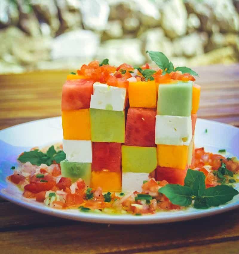 Melonensalat mit Feta Gurke und Avocado