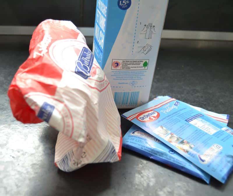 Milch, Zucker und Vanillepuddingpulver