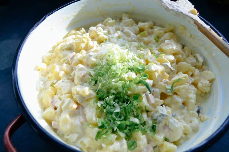 Rezept Kartoffelsalat mit Mayonnaise Gewürzgurken , Fleischwurst und Kartoffeln