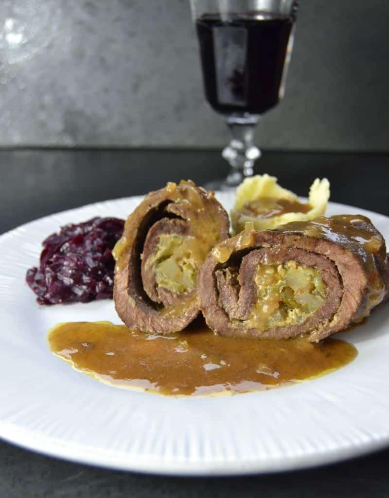 Rinderrouladen Rezept westfaelische Rinderrouladen klassisch mit Rotkohl und Kartoffelpüree