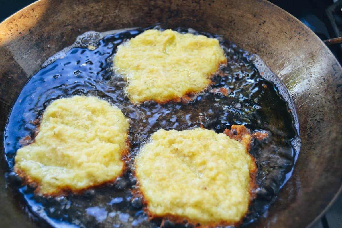 Reibekuchen, Kartoffelpuffer braten