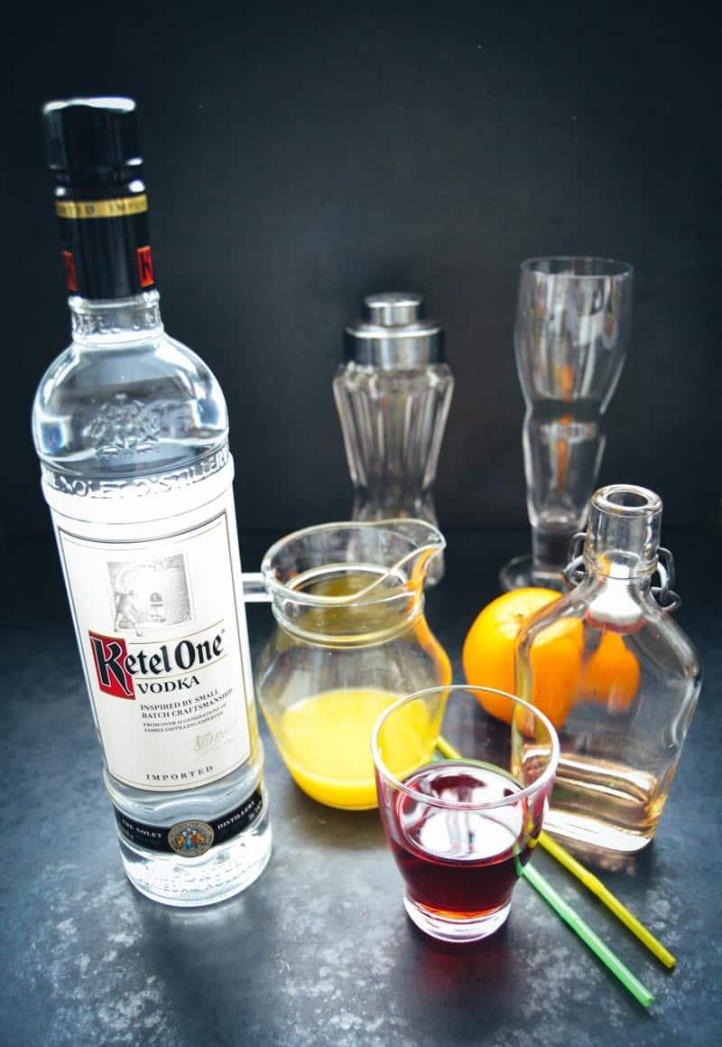 Vodka, Orangensaft , Cranberrysaft Pfirsich Likör