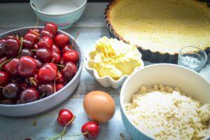Zutaten Kirschkuchen Kirschen, Butter, gemahlene Mandeln Ei und Zucker