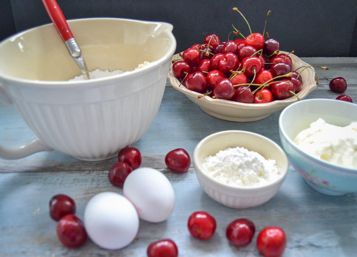 Zutaten Clafoutis Kirschen, Eier, gemahlene Mandeln und Zucker