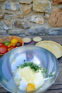 Ziegenkäse-Guss für die Tomatentarte