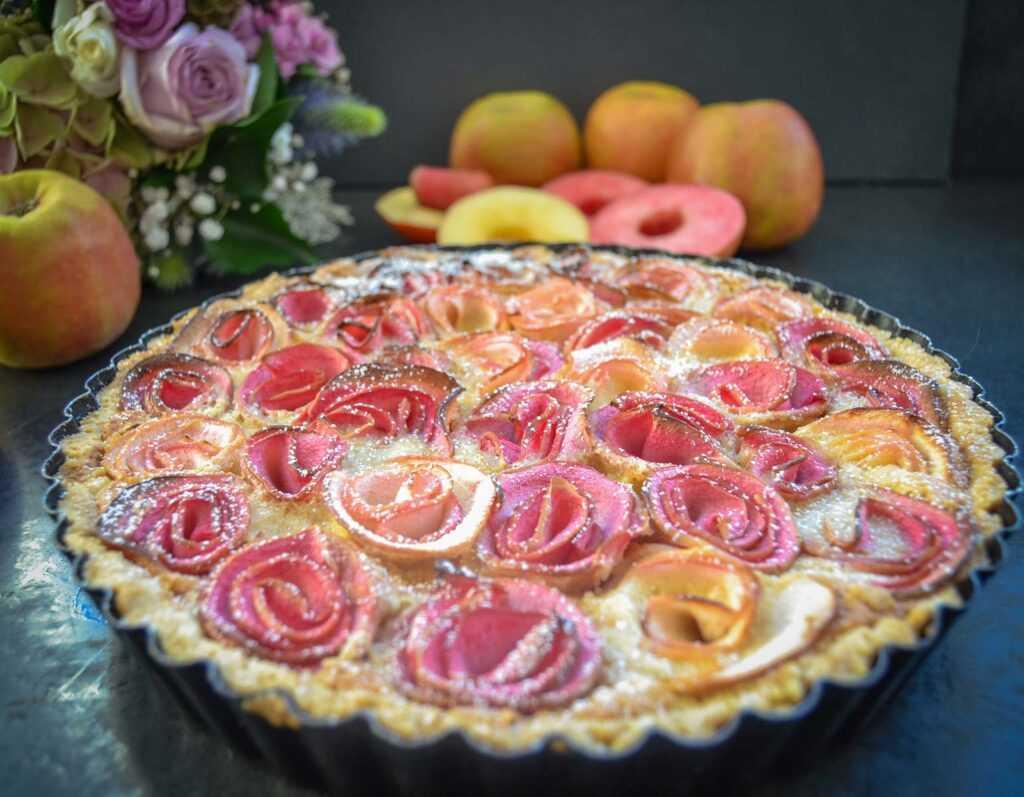 Apfelkuchen mit Apfelrosen