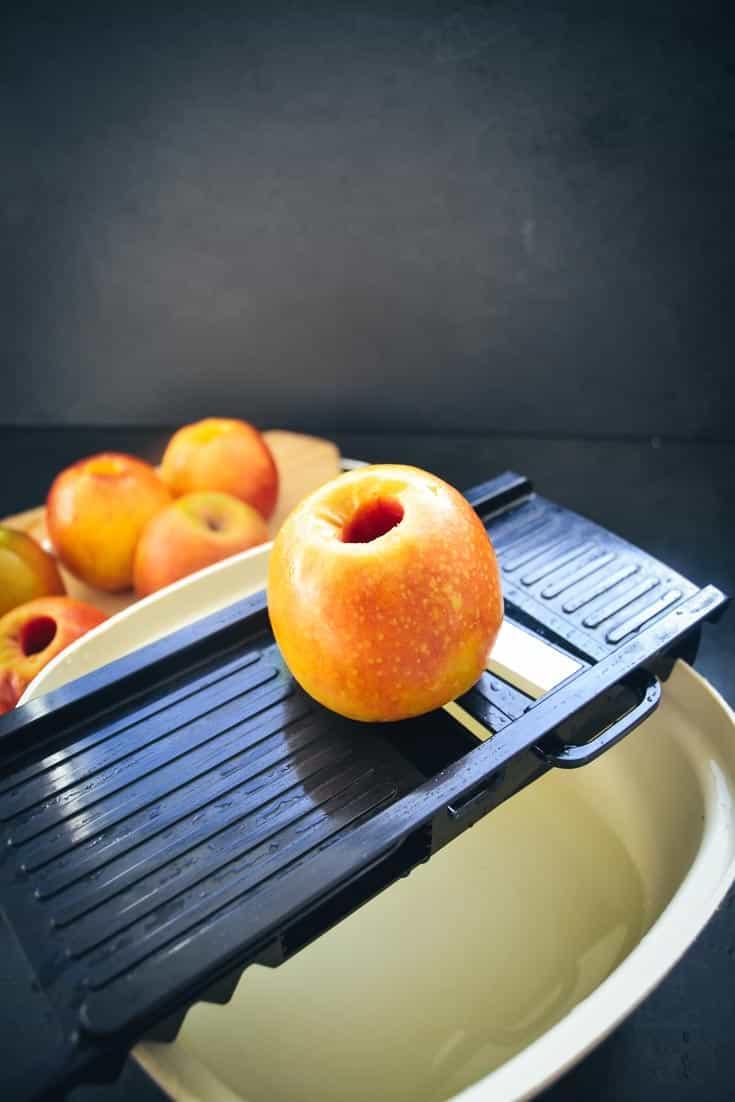 Äpfel hobeln