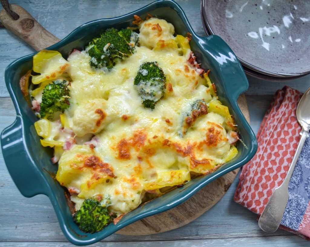 Blumenkohl Brokkoli Auflauf mit Kartoffel und Schinken
