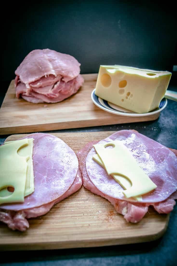 Schnitzel mitSchinken und Käse füllen