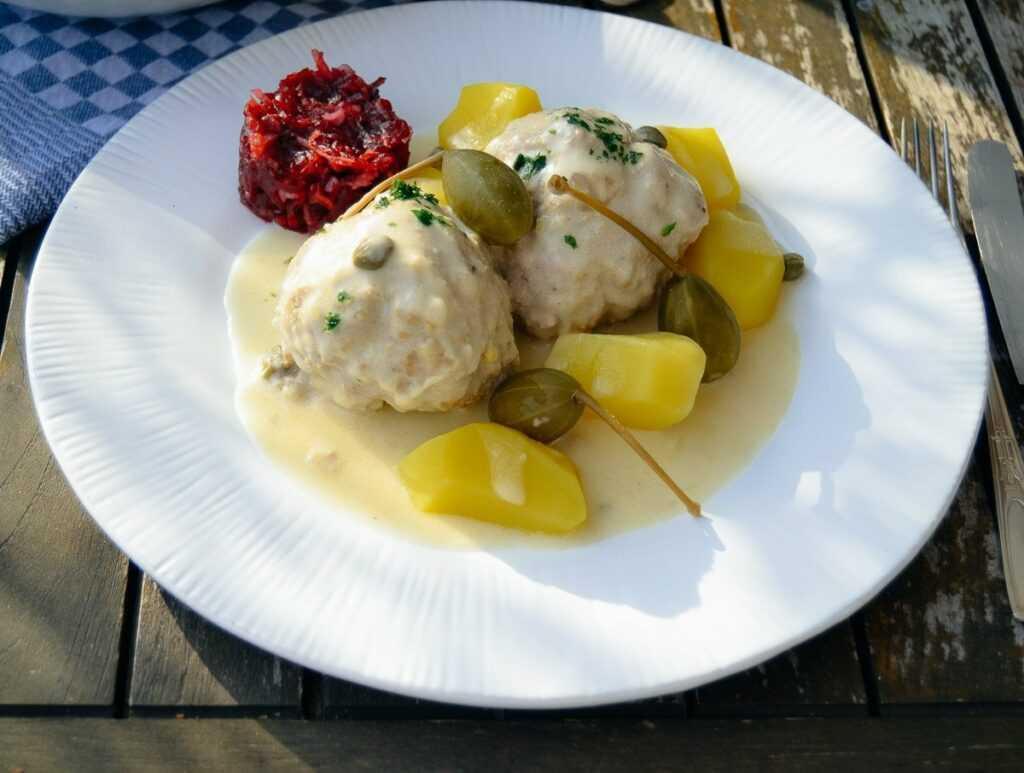 Königsberger Klopse Rezept mit Sardellen und Kapern