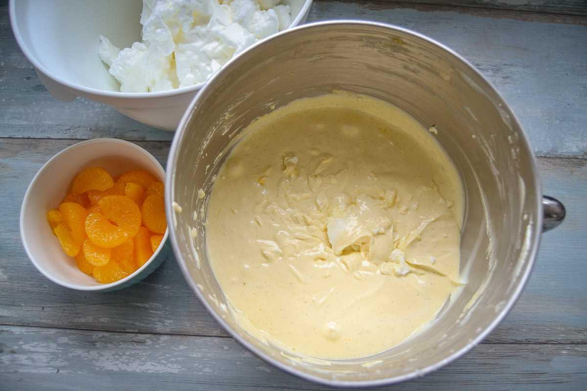 Quarkcreme und Mandarinen