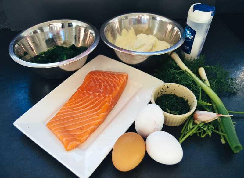 Zutaten Spinat, Lachs, Kräuter, Eier, Creme Fraiche für Lachs Quiche